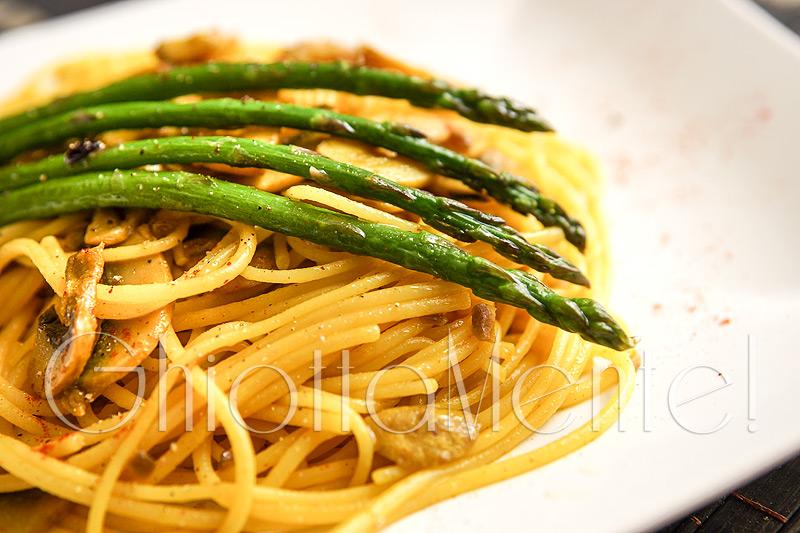 Spaghetti-curcuma-asparagi_2