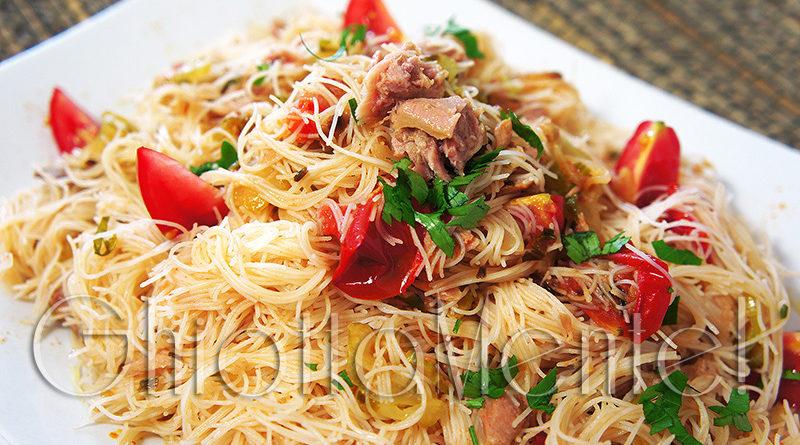https://www.ghiottamente.com/2016/07/21/spaghetti-di-riso-con-tonno/