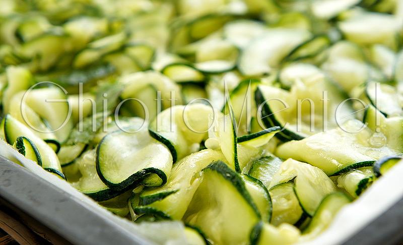 linguine-zucchine-mentuccia-mandorle-03-800