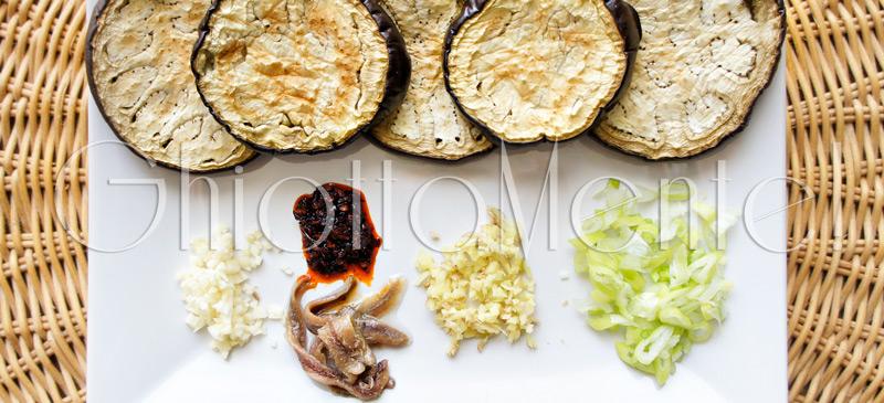 melanzana-salsa-acciughe-aglio-01a800