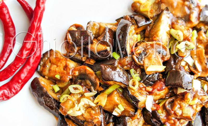 melanzana-salsa-acciughe-aglio-07-800