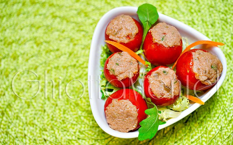 pomodori-ripieni-tonno-capperi-acciughe-09-800