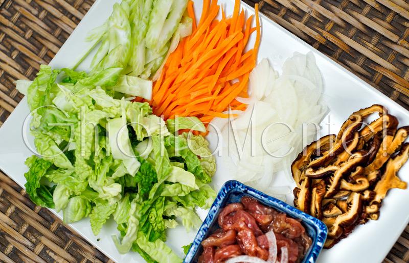 spaghetti-di-riso-verdure-carne-01a800