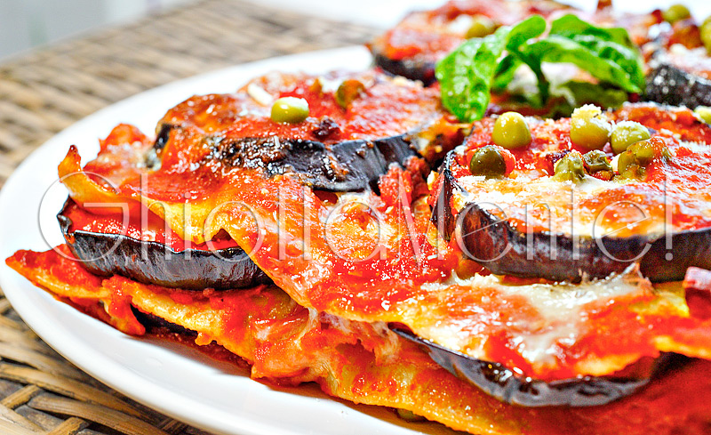 lasagna-melanzane-piselli-salame-mandole-18-800