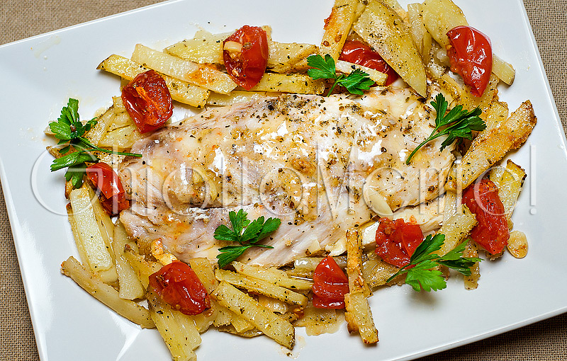 pesce-filetti-persico-patate-forno-08-800