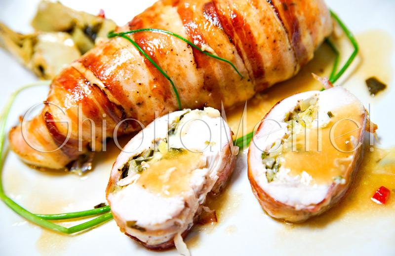 petto-pollo-farcito-pancetta-erba-cipollina-17-800