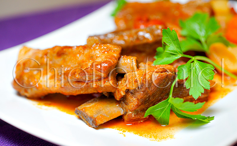 stufato-manzo-costine-patate-carote-stewed-beef-ribs-potatoes-carrots-11-800