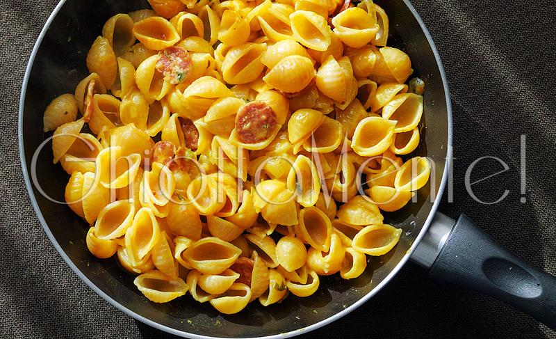 pasta-conchiglie-cinghiale-curcuma-shellpasta-salami-turmeric-03-800