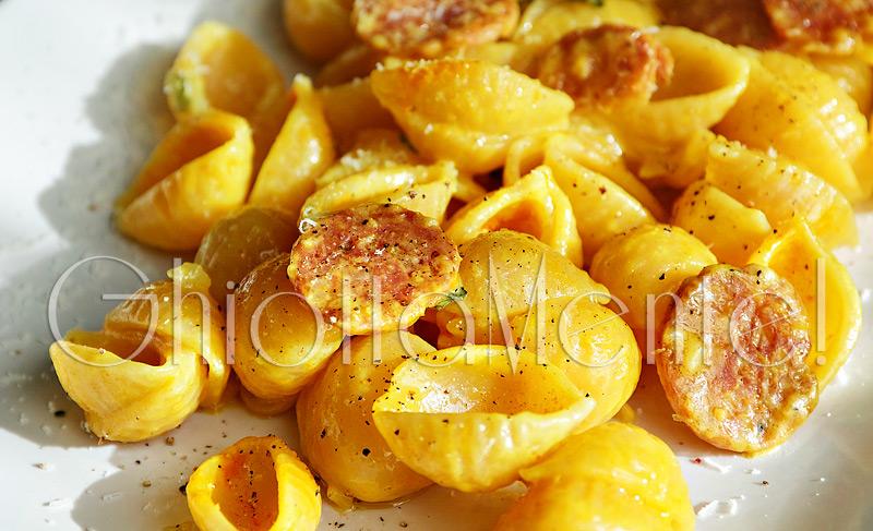 pasta-conchiglie-cinghiale-curcuma-shellpasta-salami-turmeric-06-800